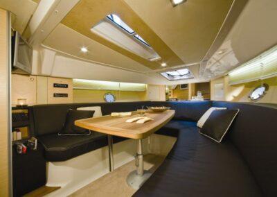 CRANCHI-ENDURANCE33-10-charter-locarno-didomenico