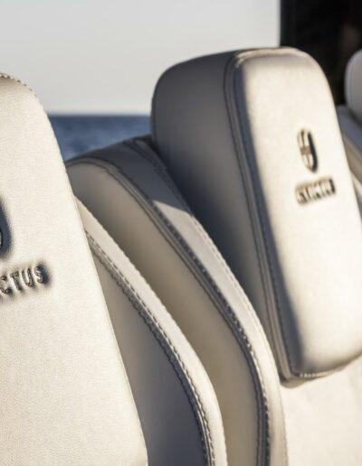 INVICTUS 370 GT-301 - MOD