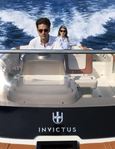 INVICTUS-YACHT-TT280-CX280-LAGO_ISEO-18LUG2017_1155_03_Catalogo