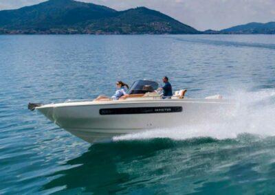 invictus-250CX-bootscharter-boatscharter-bootvermietung-locarno-didomenico-5
